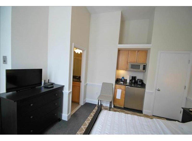 COMFORTABLE, CLEAN AND COZY STUDIO APARTMENT - Image 1 - Boston - rentals