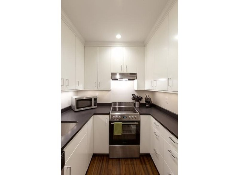 CLEAN AND SPACIOUS 1 BEDROOM, 1 BATHROOM APARTMENT - Image 1 - Boston - rentals