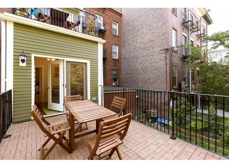 CHARMING, ELEGANT AND SPACIOUS 2 BEDROOM, 1 BATHROOM APARTMENT - Image 1 - Boston - rentals