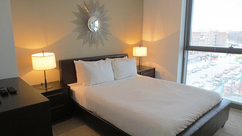 Furnished 3-Bedroom Apartment at Boylston St & Jersey St Boston - Image 1 - Boston - rentals