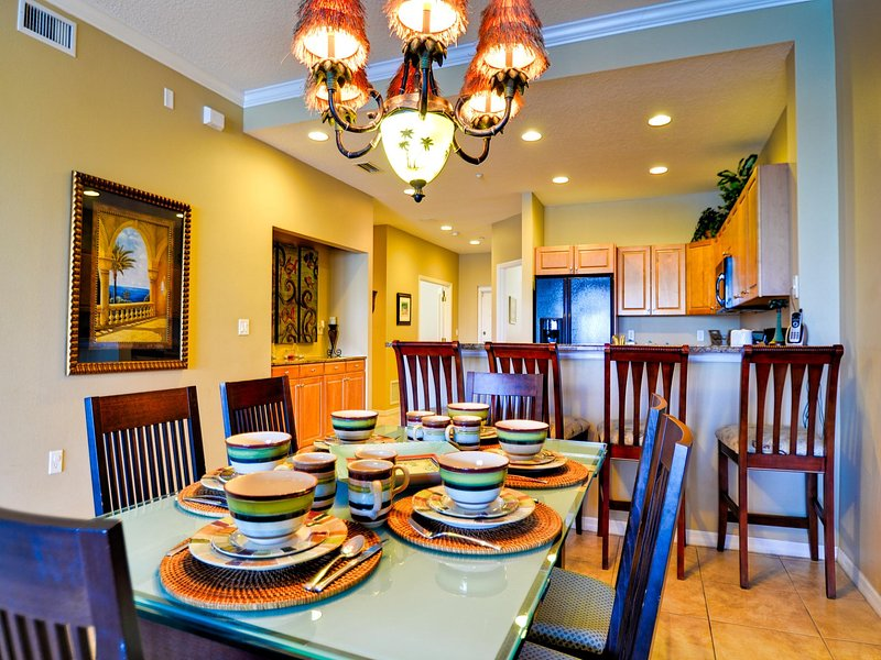Pleasant dining area - Harborview Grande 406 Waterfront 3 bedroom, 2 bath Condo | New Pictures! - Clearwater Beach - rentals