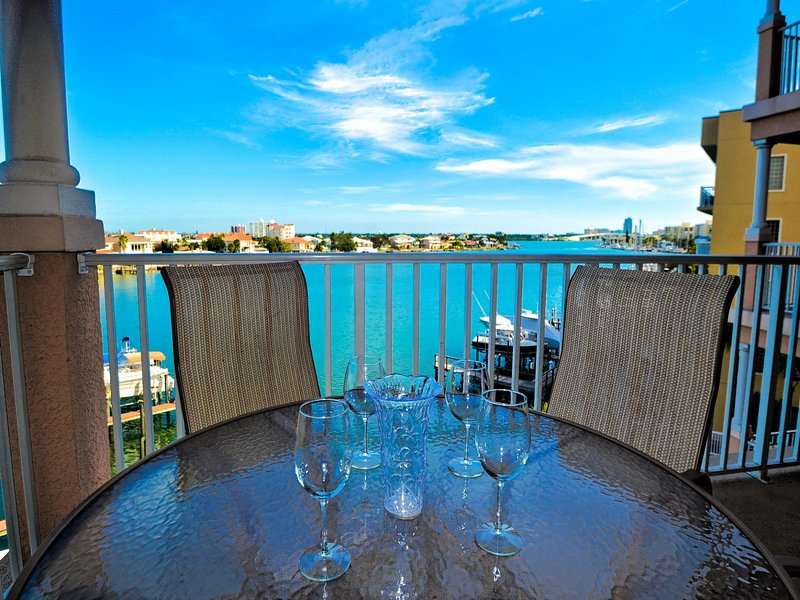 Perfect vacation setting at Harborview Grande - Harborview Grande 406 Waterfront 3 bedroom, 2 bath Condo   New Pictures! - Clearwater Beach - rentals