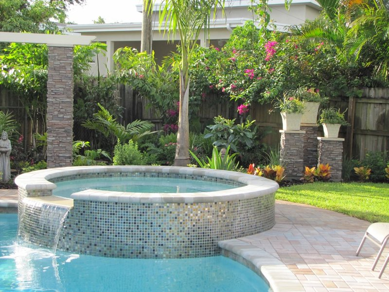 HEFFRON MANOR,3b/2b,Pool,Walk to Dining,Near Beach - Image 1 - Fort Lauderdale - rentals