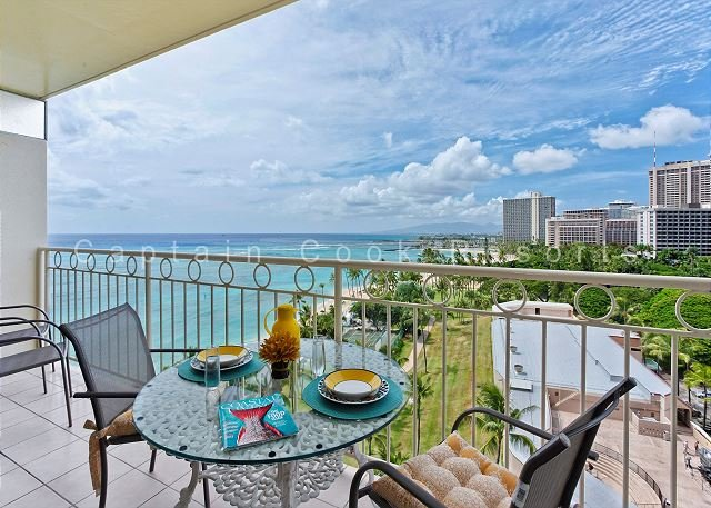 REMODELED!  Ocean View!  Beachfront! Full kitchen, washer/dryer, A/C, WiFi! - Image 1 - Waikiki - rentals