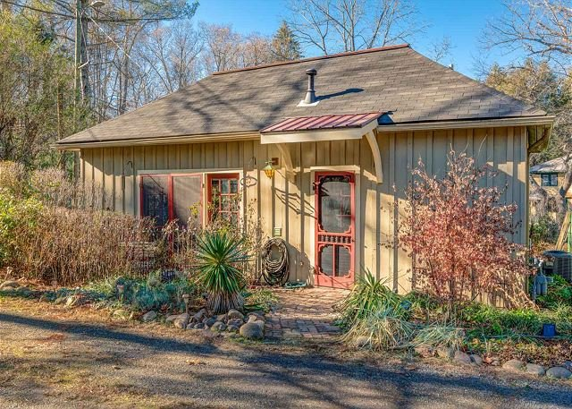 Red Bud Cottage - Image 1 - Asheville - rentals