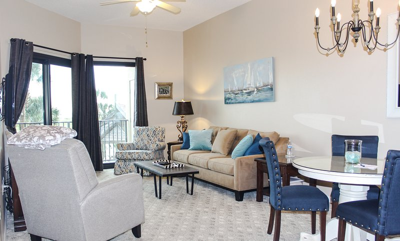 Family room with queen sleeper sofa and flat screen tv - Oceanfront 1st Floor 2B/2B - Orange Beach - rentals