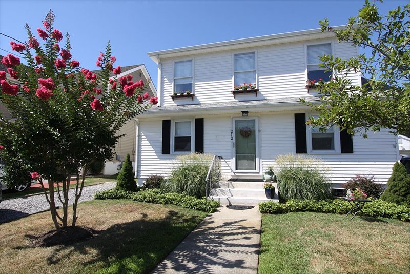 Grant Street Apartment 117003 - Image 1 - Cape May - rentals