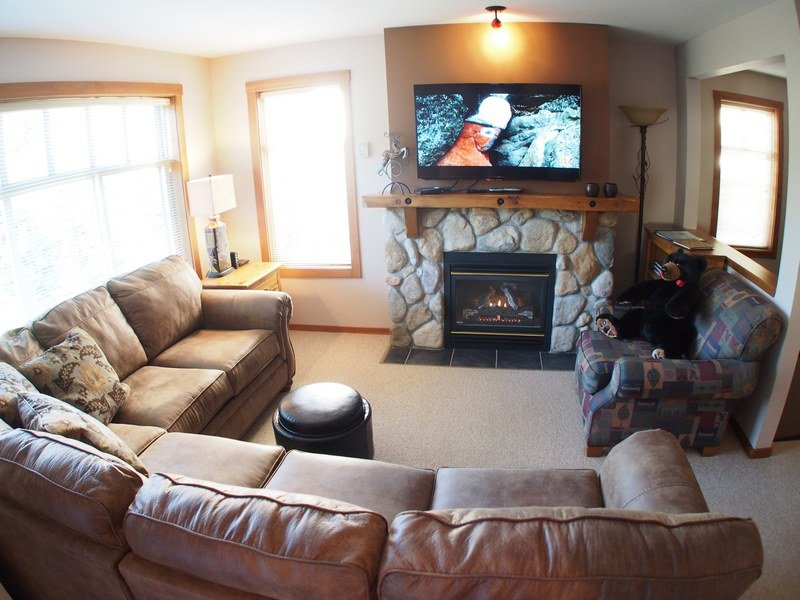 FT21Livingroom - Forest Trails Condos - 21 - Sun Peaks - rentals