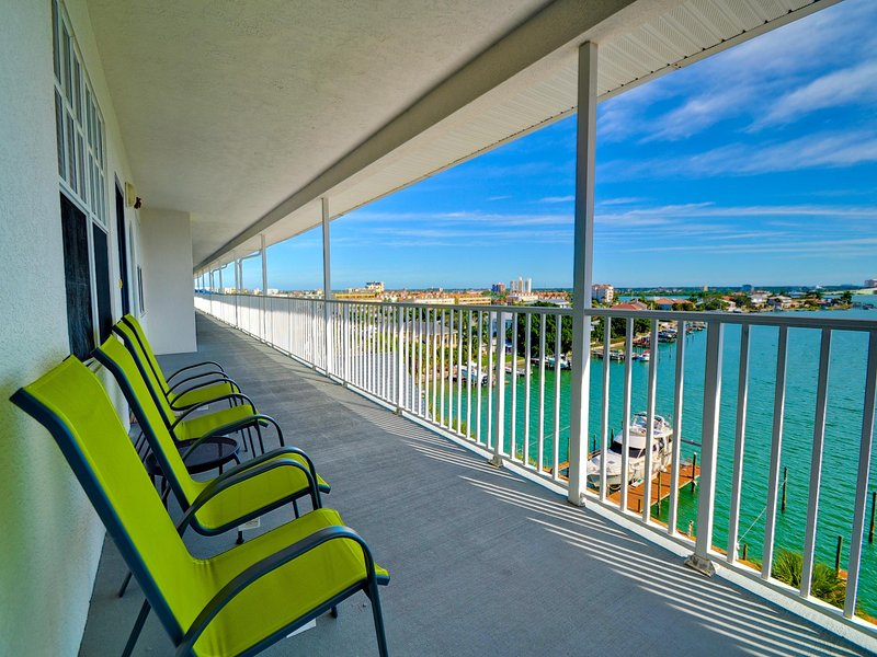 Dockside Condos on Clearwater Harbor - Dockside Condos 602 Waterfront | Intra-coastal View | Boat Slips Available - Clearwater Beach - rentals