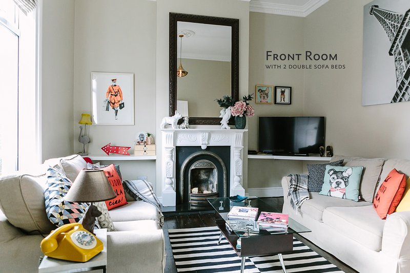 Front Room, with 2 double sofa beds - Cosy Home; Sleeps 10. City 15 minutes' walk - Dublin - rentals