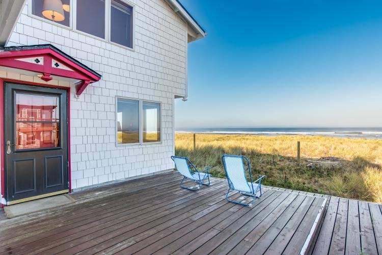 The Brownlie's Beach House - Brownlie's Beach House, Beach Front , 3 BR, Slps 6 - Rockaway Beach - rentals