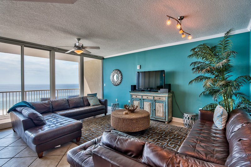 leather sectionals, soothing modern, coastal decor makes relaxing so easy! SONOS speaker, free wi-fi - Teeny Bikini Price for XXL views, ALL FIVE STAR reviews, Wall of Glass! - Gulf Shores - rentals