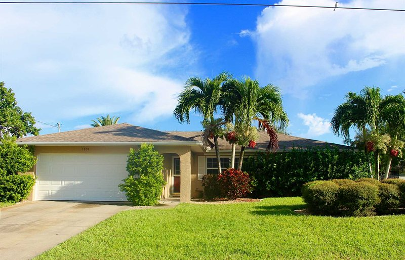 Cape Coral Home in Great Location - Villa Mary - Image 1 - Cape Coral - rentals