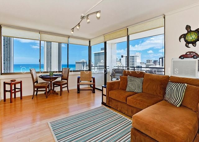 Ocean Views!  One bedroom, washer/dryer, WiFi, pool & parking! - Image 1 - Waikiki - rentals