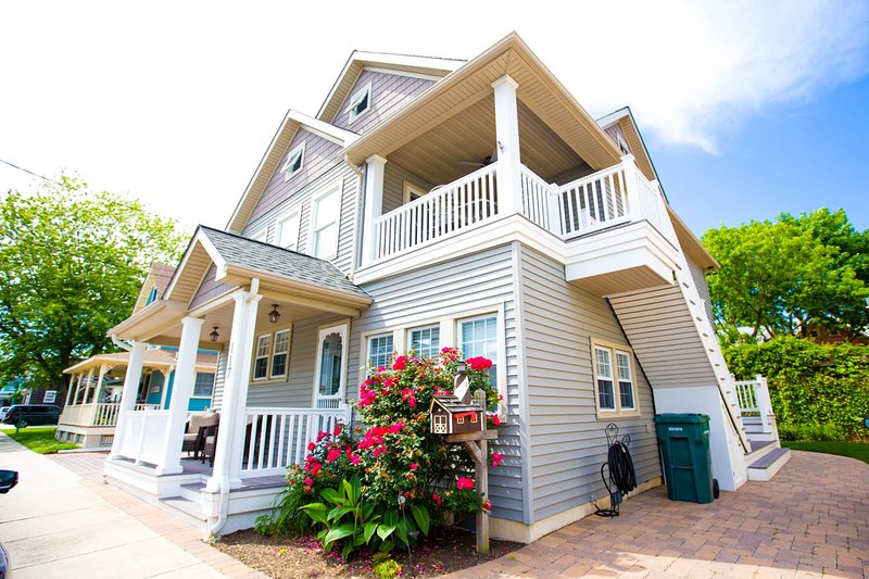 3 bedrooms- six blocks from Cape May beach or mall - Image 1 - Cape May - rentals