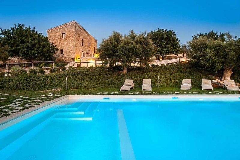 Villa Scicli holiday vacation large villa rental italy, sicily, scicli, pool - Image 1 - Scicli - rentals