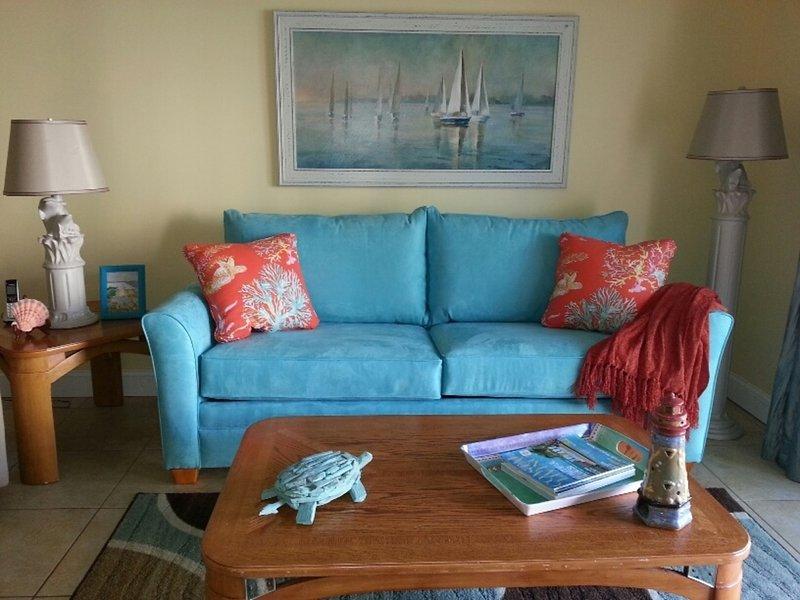 Comfy Sleeper Couch - Beach View/Poolside 2 Bed/2 Bath First Floor Condo - New Smyrna Beach - rentals