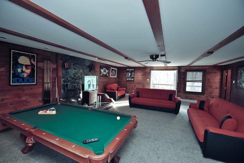 Grand Summit Lodge on Whiskey Mountain - Sleeps 21 - Image 1 - Stroudsburg - rentals