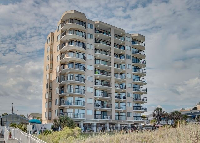 2 bedroom oceanfront condo (end unit) that sleeps 6 - Image 1 - North Myrtle Beach - rentals