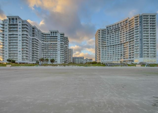 2BR/ 2BA ocean view in the fantastic Seawatch Resort with great amenities - Image 1 - Myrtle Beach - rentals