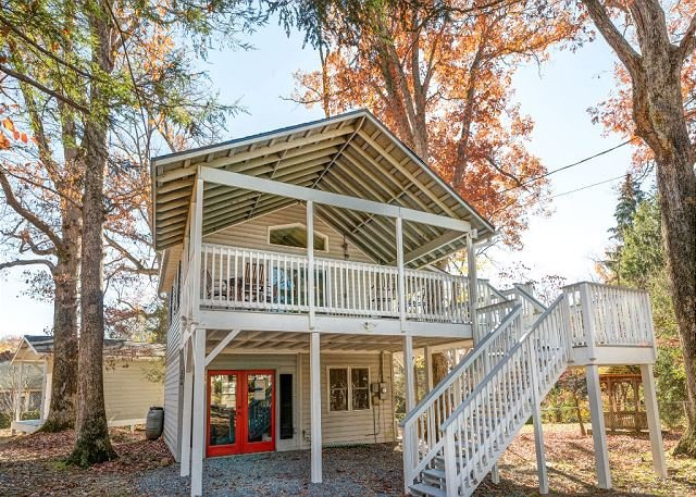 Tree House - Image 1 - Black Mountain - rentals