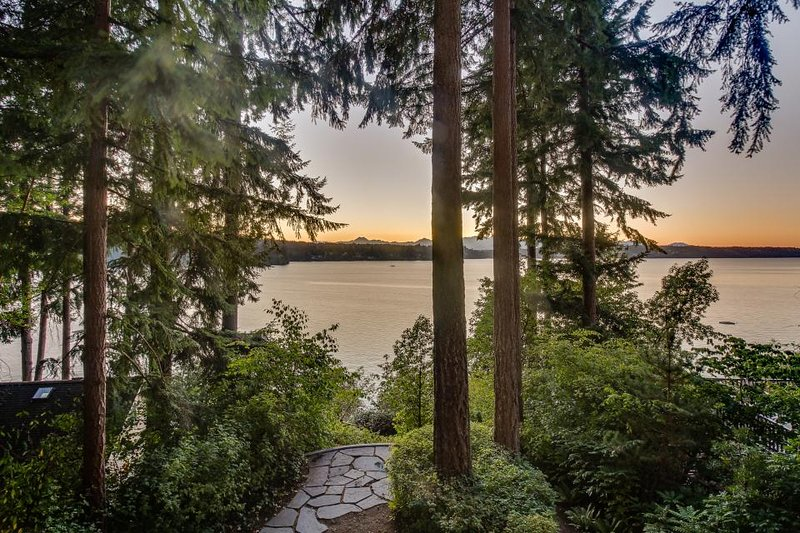 Modern, dog-friendly waterfront home with a luxury interior & beach access! - Image 1 - Bainbridge Island - rentals