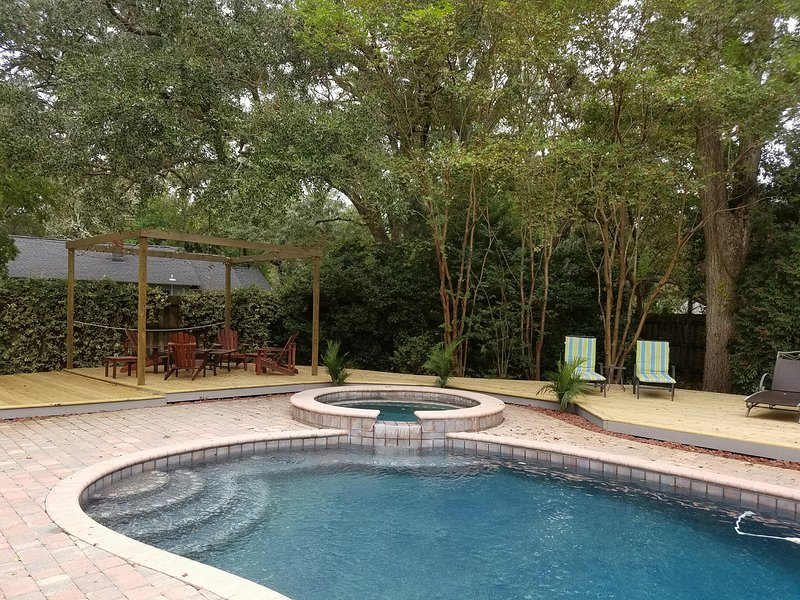 Private Backyard - Pool Home- 3 BR- Located Close to Beach & Village - Saint Simons Island - rentals