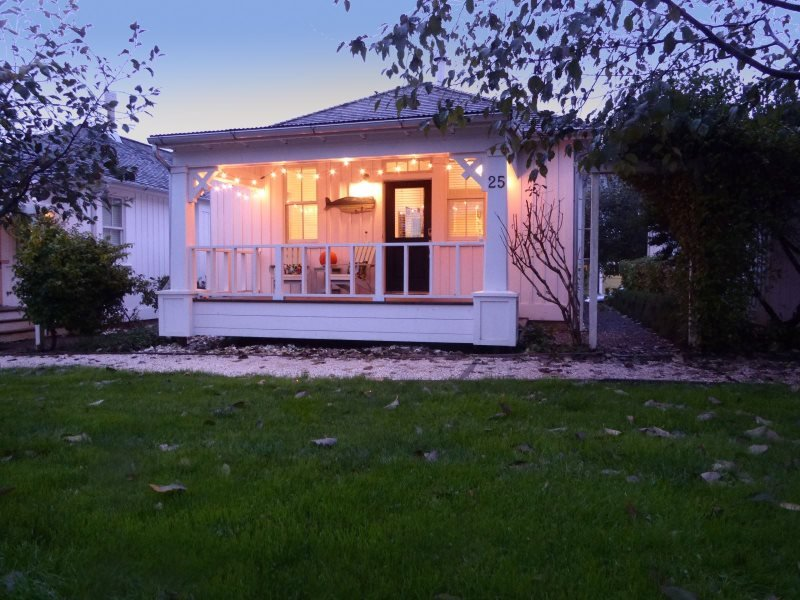 Anchorsteam Cottage ready for summers transition to fall. - Anchorsteam - Pacific Beach - rentals