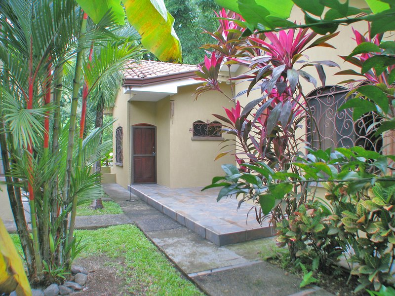 Front enterance - Casa Hummingbird - Resort villa close to the pool. - Playa Hermosa - rentals