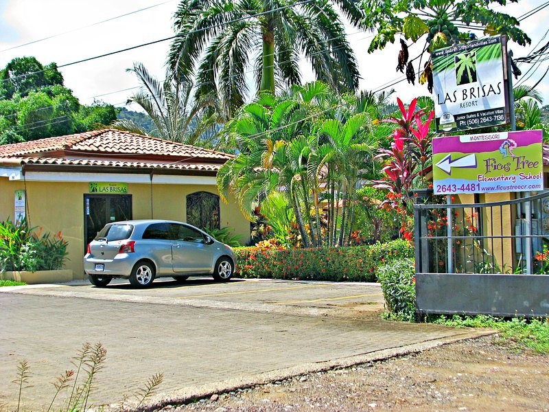 Enterance and Lot - Las Brisas - B&B - Playa Hermosa - rentals