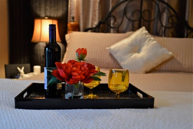 Add a romance package to your stay! - Guest Suite- Hot tub- NR Ocean/Forest/Castle - 20 mins to downtown Victoria - Victoria - rentals