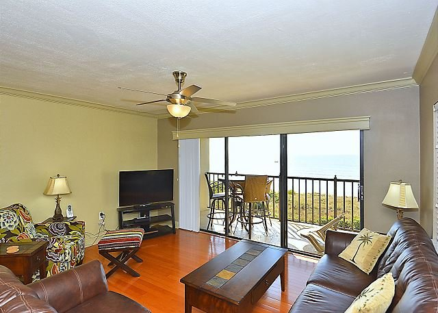 Living Room - Land's End #407 building 11 - Beach Front - Treasure Island - rentals