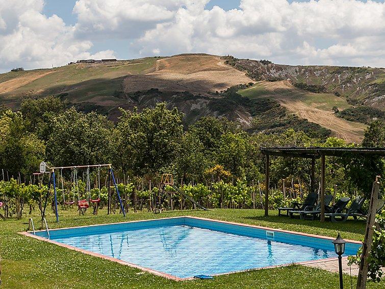 5 bedroom Villa in Radicofani, Siena, Italy : ref 2215341 - Image 1 - Radicofani - rentals