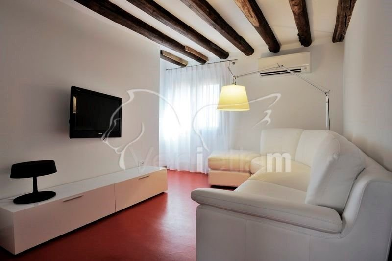 Lion 3 - Central two bedroom flat with lift - Image 1 - Venice - rentals