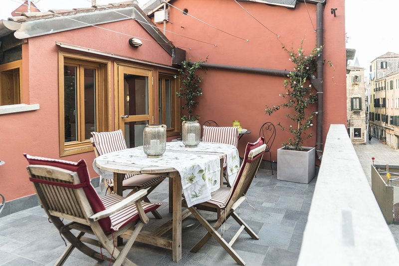 The Red House - House with 2 terraces, it is a 140mq + terrace flat built in the pre-Napoleonic period, with private door, just fully restored,  on 2 floors with a terrace of 20mq and a bow window in the back with another small terrace. - Image 1 - Venice - rentals