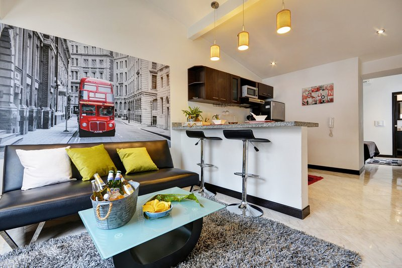 London Themed Unit Near Nightlife - Image 1 - Medellin - rentals