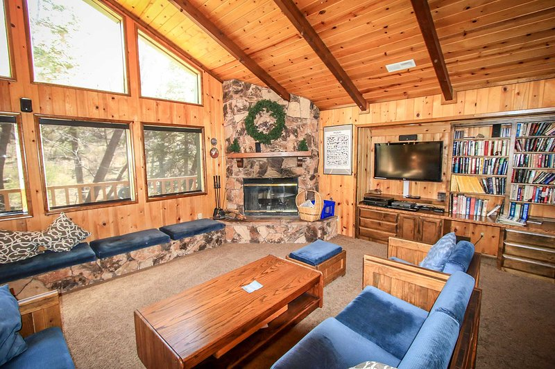 Wodehouse~Quiet Cul-De-Sac With Sledding Hills~Great Decks~BBQ~Fireplace~ - Image 1 - Big Bear Lake - rentals