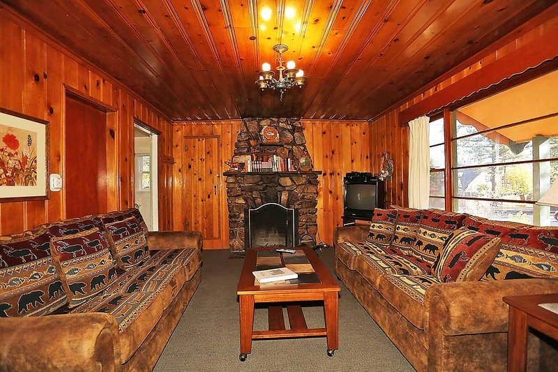 Wood Burning Fireplace - 234-Vista Pines - Big Bear Lake - rentals