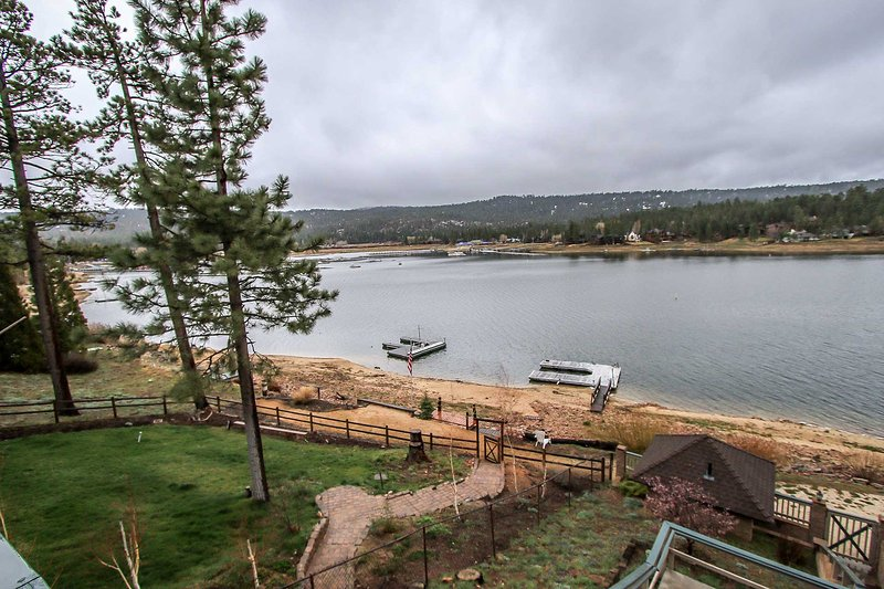Living Room Views - 1306-Lakefront Sanctuary - Big Bear Lake - rentals