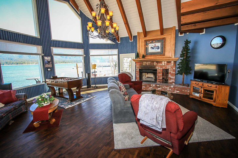 Living room lake views! - Storybook Lakefront~Relaxing Lakeside Home~Outdoor Hot Tub~Expansive Decking~ - Big Bear Lake - rentals