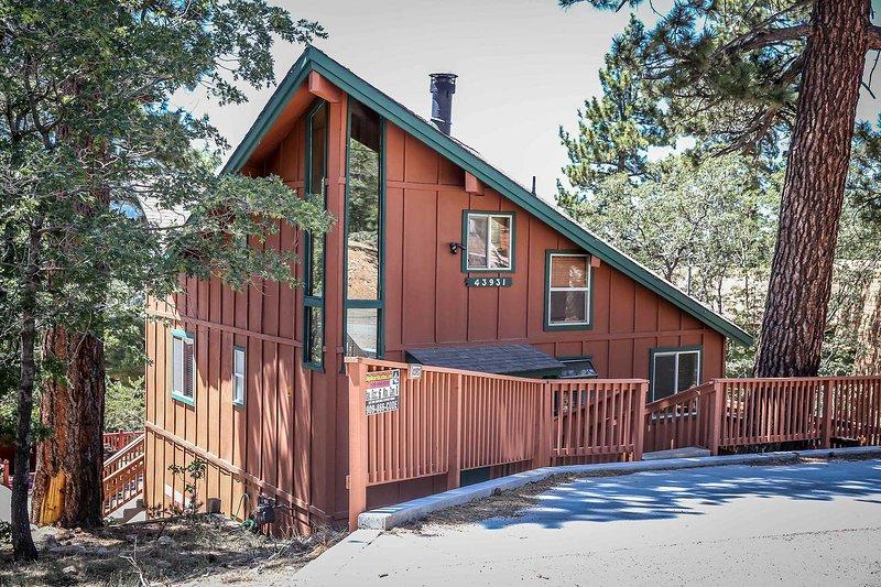 Front view of property - 1392-Moonridge Serenity - Big Bear Lake - rentals