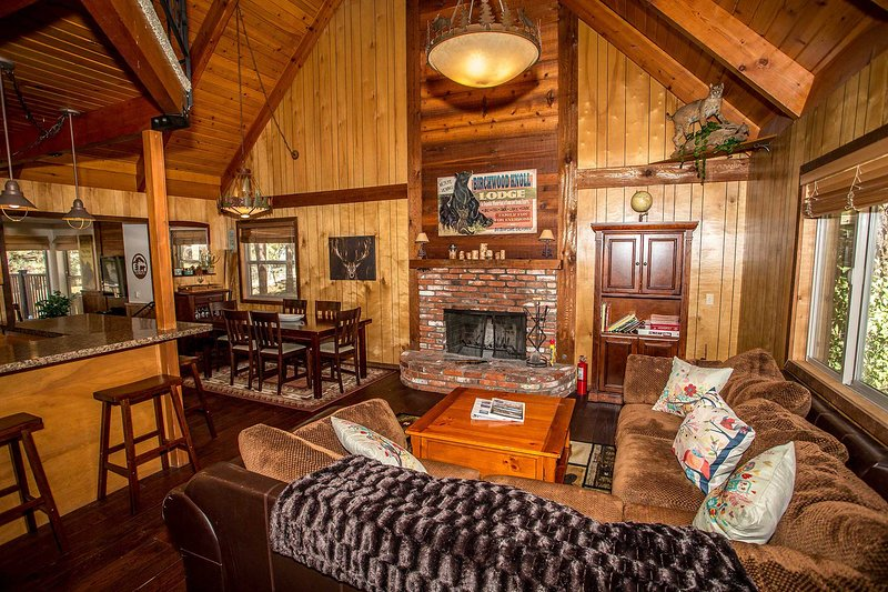 Birchwood Knoll~Secluded Retreat~Loft~Outdoor Spa~Pool Table/Darts/Foosball~ - Image 1 - Big Bear Lake - rentals