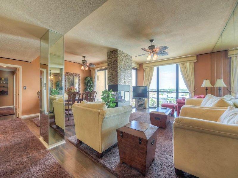 Enclave Condominium A702 - Image 1 - Destin - rentals