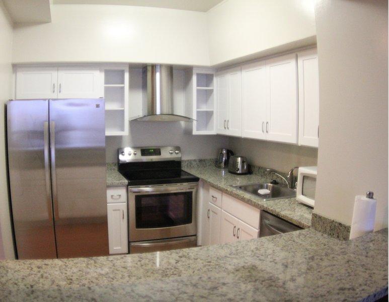 Comfy and Tastefully Furnished Emeryville Apartment - 1 Bedroom, 1.5 Bathroom - Image 1 - Emeryville - rentals