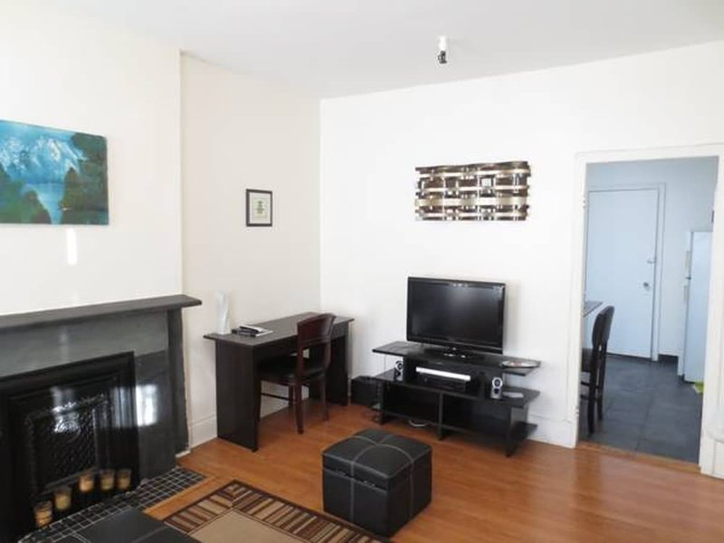 Charming and Beautiful 2 Bedroom 1 Bathroom Apartment in Brooklyn - Image 1 - New York City - rentals