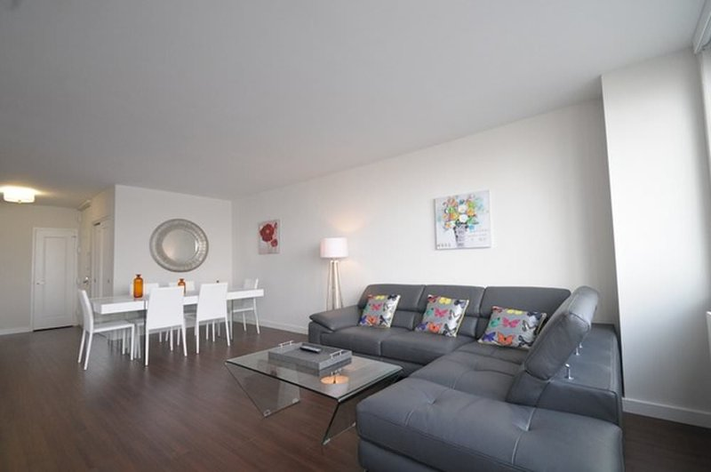 CLEAN, SPACIOUS AND WELL-APPOINTED 2 BEDROOM, 2 BATHROOM APARTMENT - Image 1 - New York City - rentals