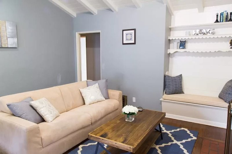 ADORABLE LIGHT-FILLED 1 BEDROOM, 1 BATHROOM HOME - Image 1 - Westwood  Los Angeles County - rentals