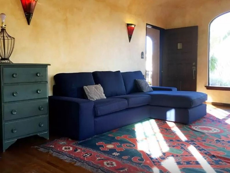 BEAUTIFUL, CLEAN, SPACIOUS AND NEWLY RENOVATED 3 BEDROOM, 2 BATHROOM SPANISH STYLE HOUSE WITH PRIVAT - Image 1 - San Diego - rentals