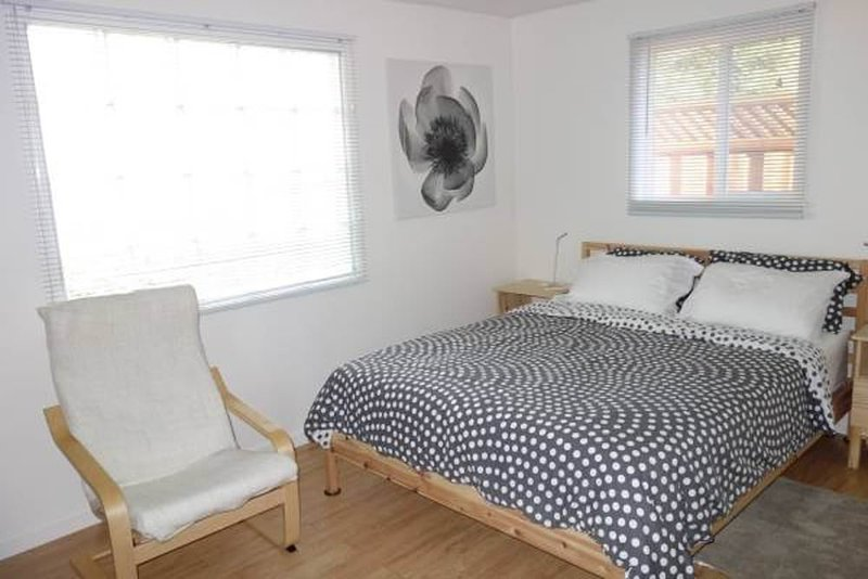 RESTFUL FURNISHED 1 BED 1 BATHROOM STUDIO APARTMENT - Image 1 - Stanford - rentals