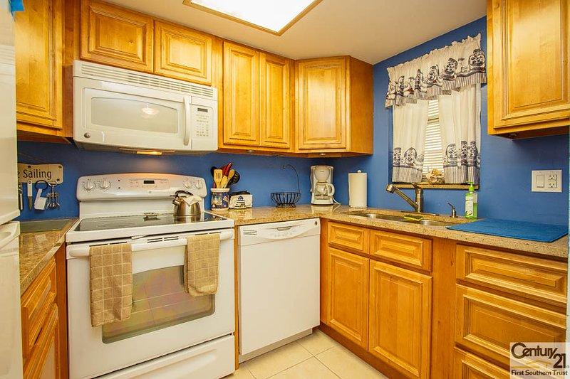Kitchen - IM B-7 - Island Manor - Marco Island - rentals